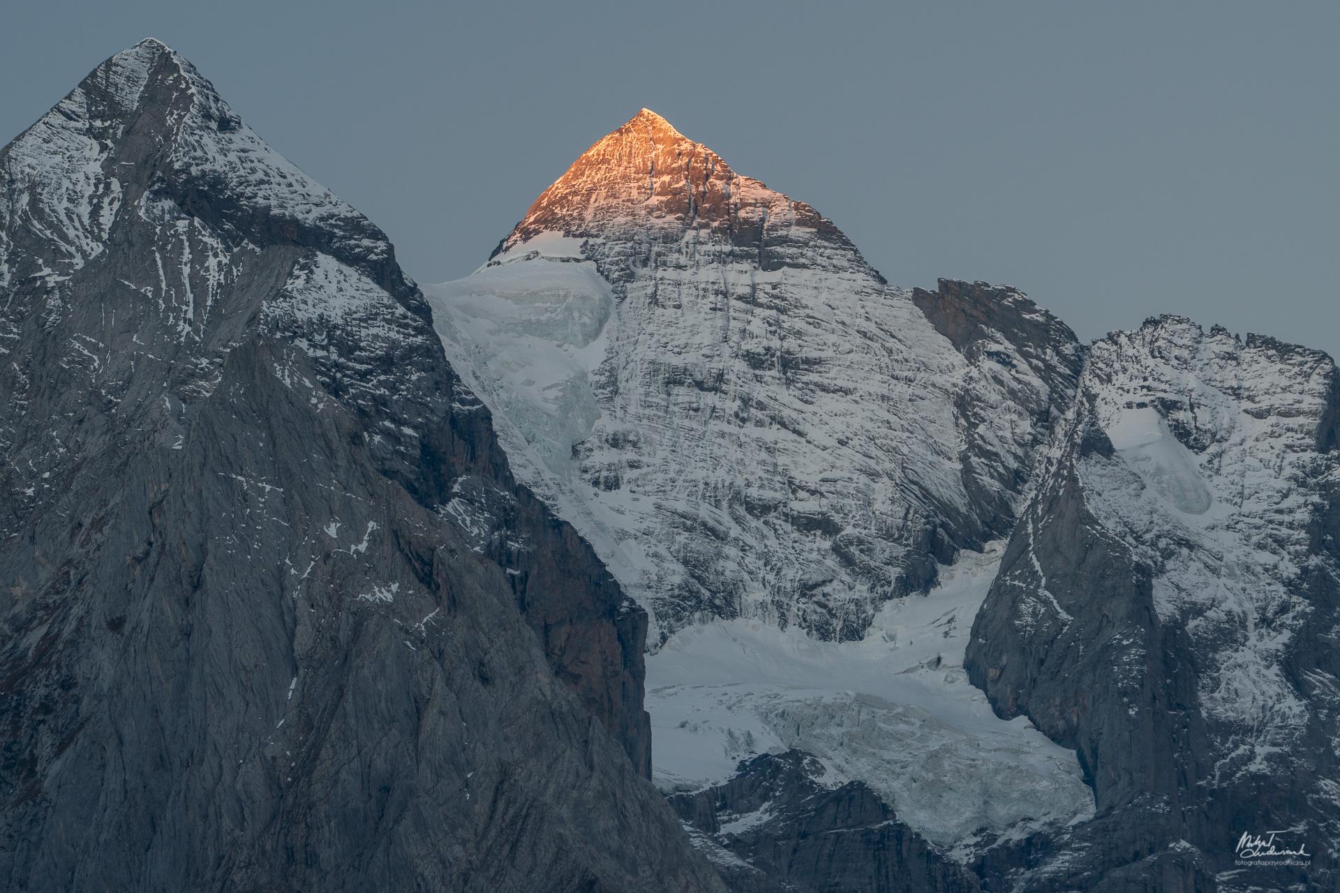 Świt w Alpach