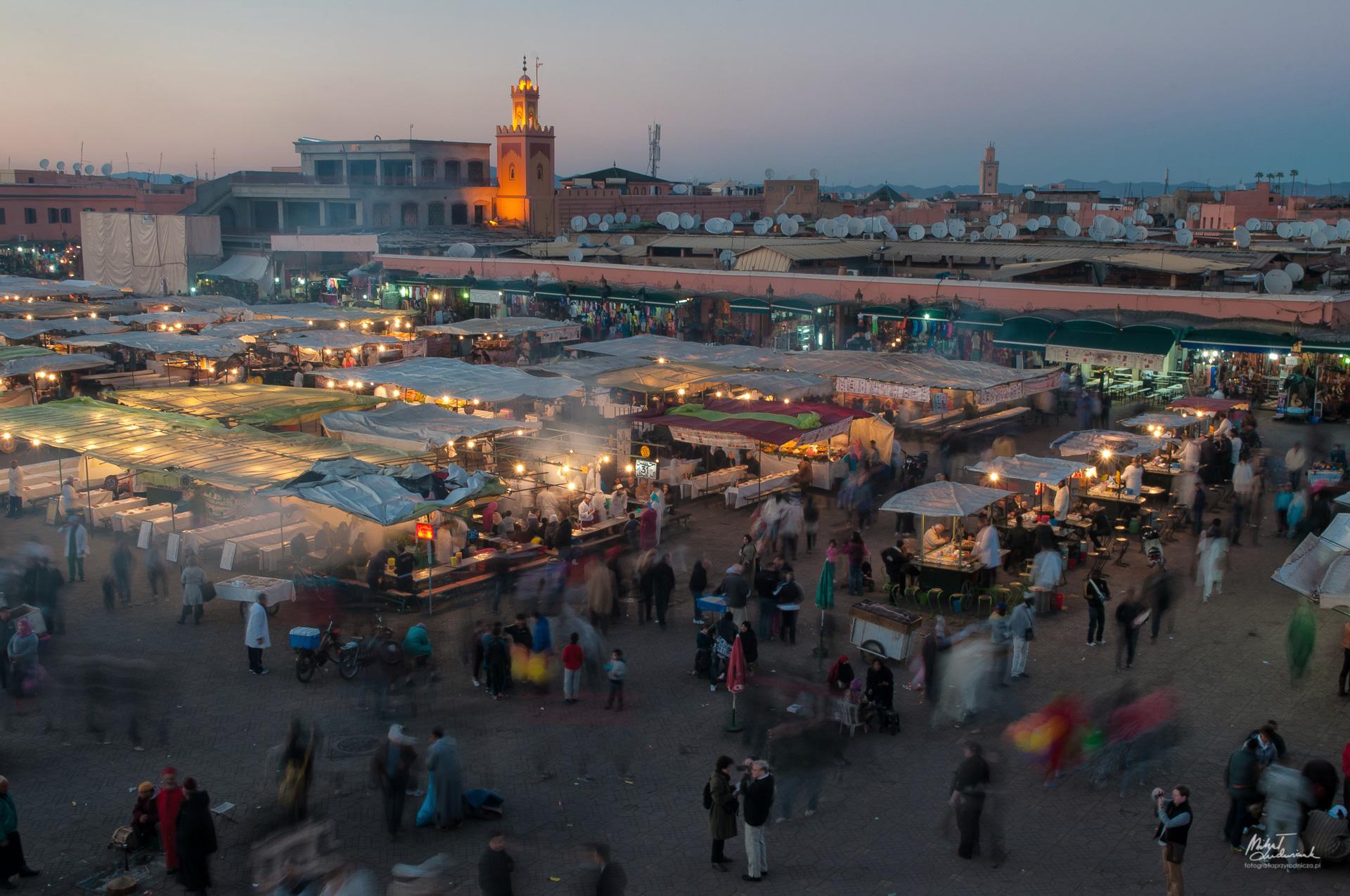 Marrakesz o zmierzchu